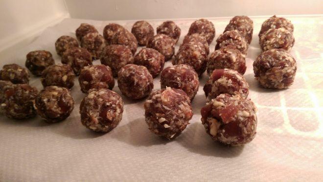 Yummy !! Energy balls !