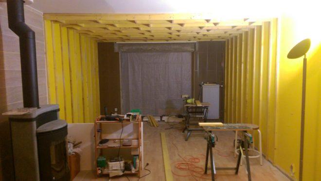 Je suis un peu occupé en ce moment à préparer mon faux plafond.
